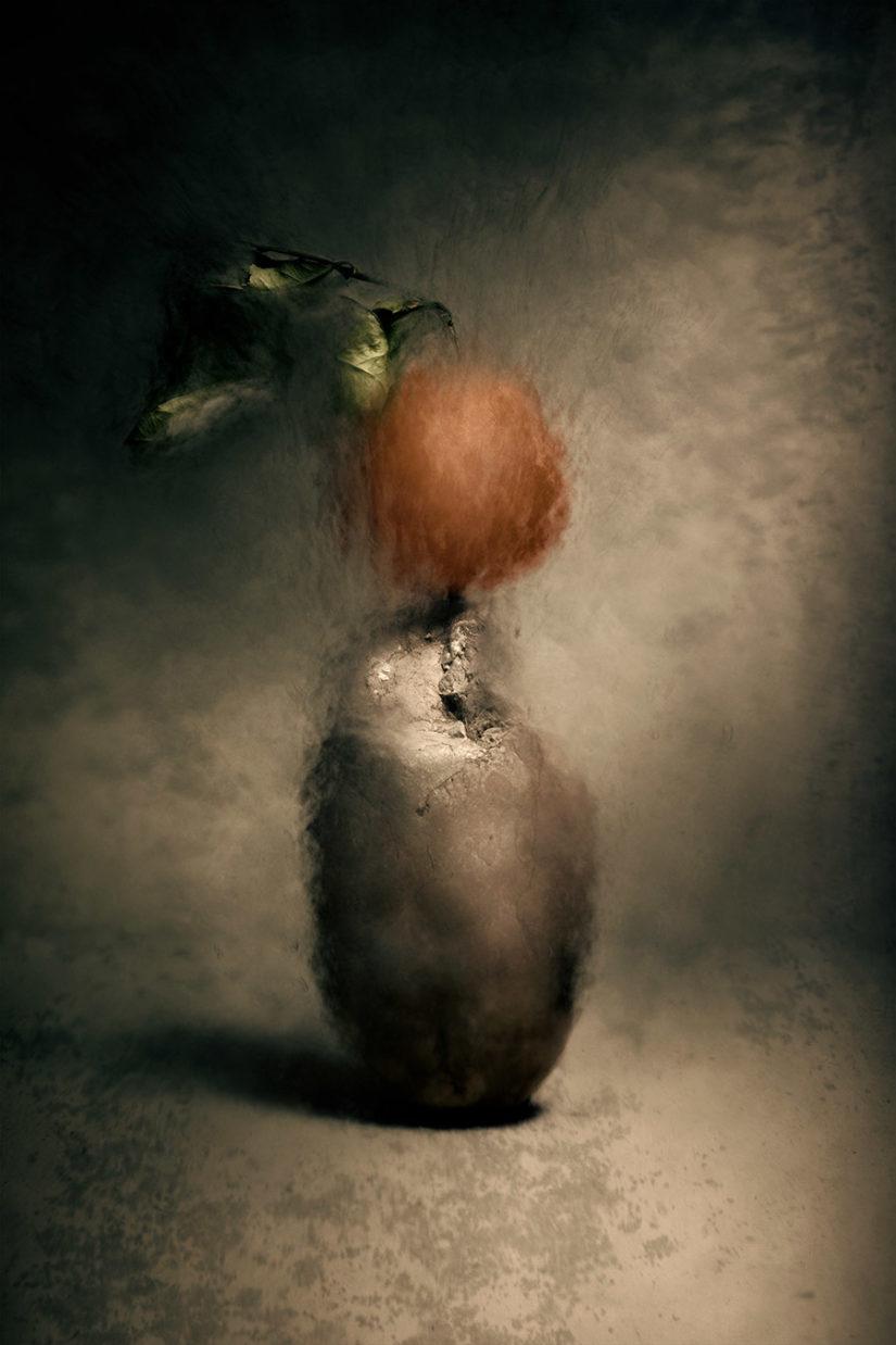 """""""Sad comedian: l'equilibrio di un'arancia"""""""